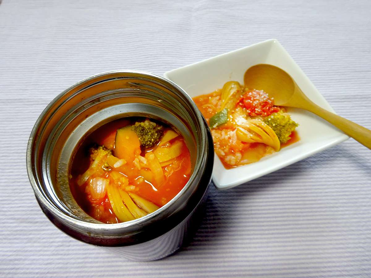 スープジャーで野菜のトマトリゾット